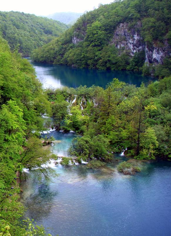 Žalia ir mėlyna - įvairių šių spalvų variantų matėme šiame parke