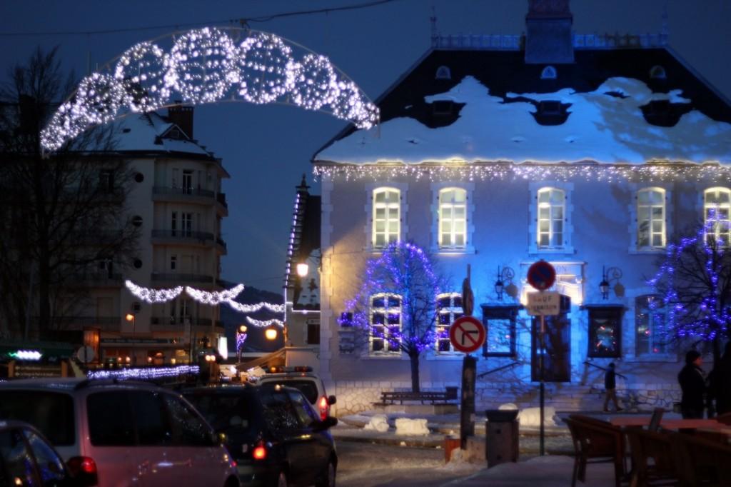 Kalėdoms pasipuošęs Villad de Lans kalnų kaimelis