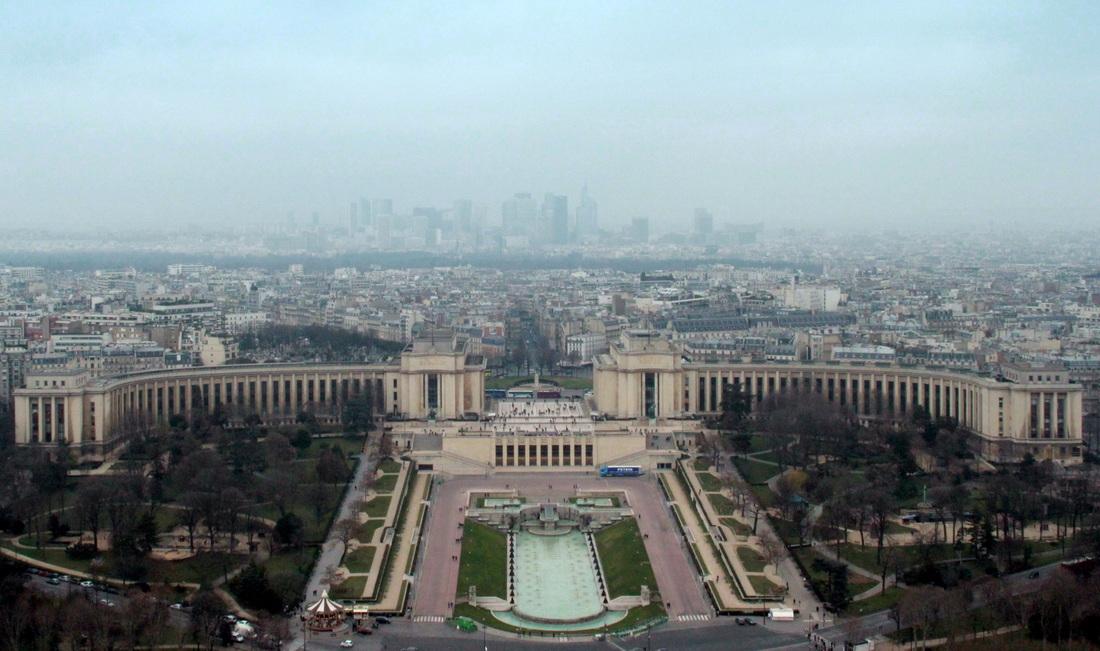 Vaizdas nuo Eifelio į Trocadero aikštę