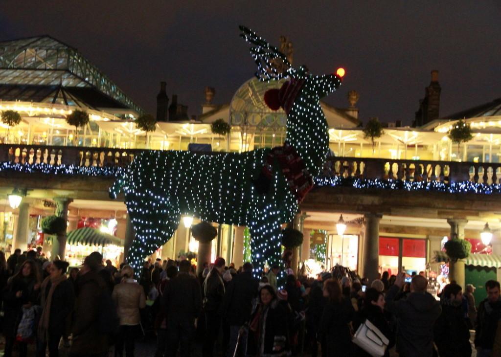 Kalėdinis elnias Covent Garden'e