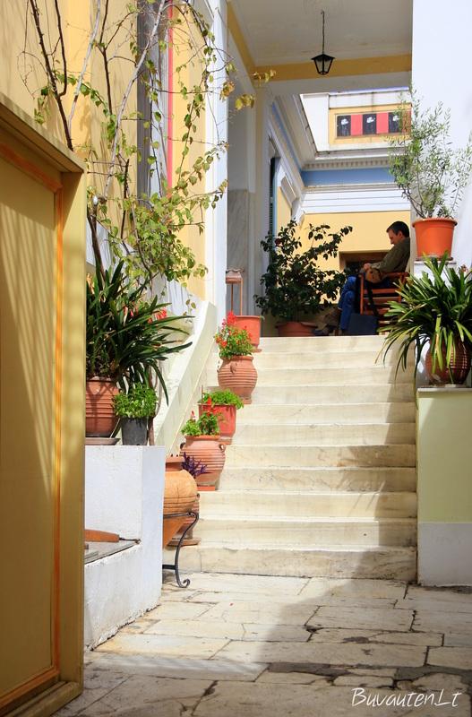 Atėnuose ramybe pasimėgauti galima tik nuošalesnėse gatvelėse