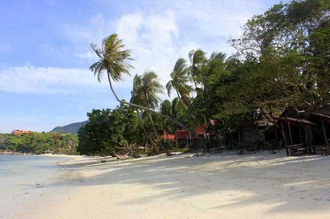 Koh Phangan saloje galima sutikti žmonių iš viso pasaulio