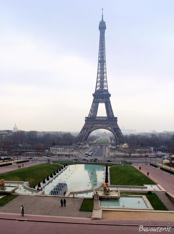 Vaizdas iš Trocadero aikštės dieną....