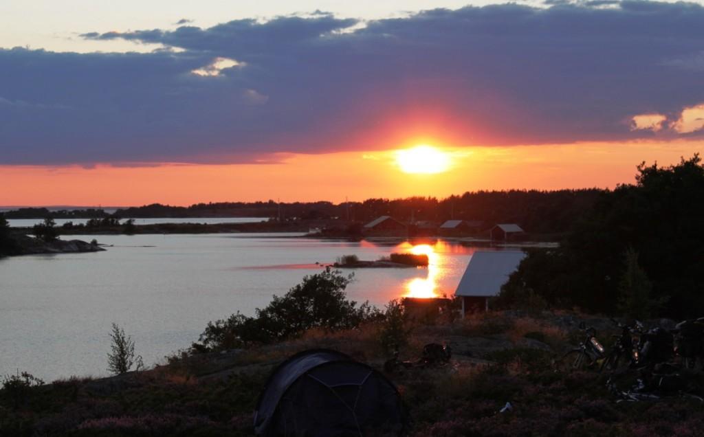 Žavingi saulėlydžiai salose džiugino lietuvių kompaniją