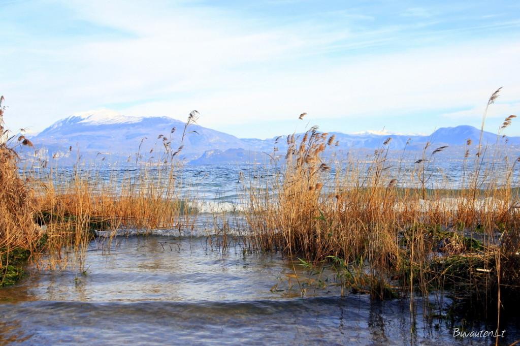 Kalnų apsuptas Gardos ežeras - didžiausias Italijoje