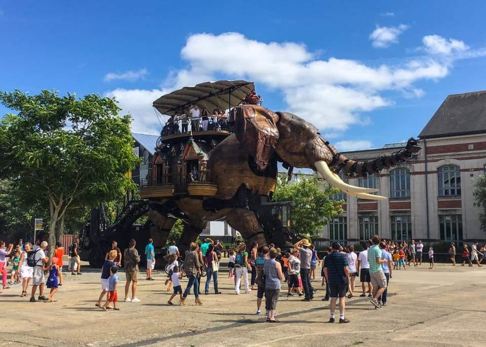 Vaikščiojantis Nantes medinis dramblys