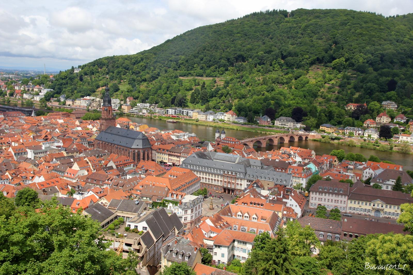 Miesto vaizdas nuo pilies sienų