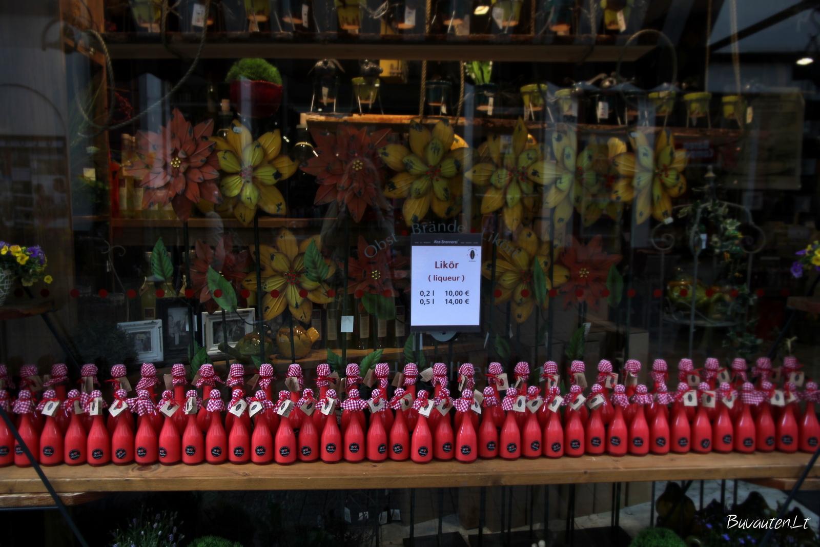 Pagrindinėje Heidelbergo gatvėje daug restoranų ir parduotuvių