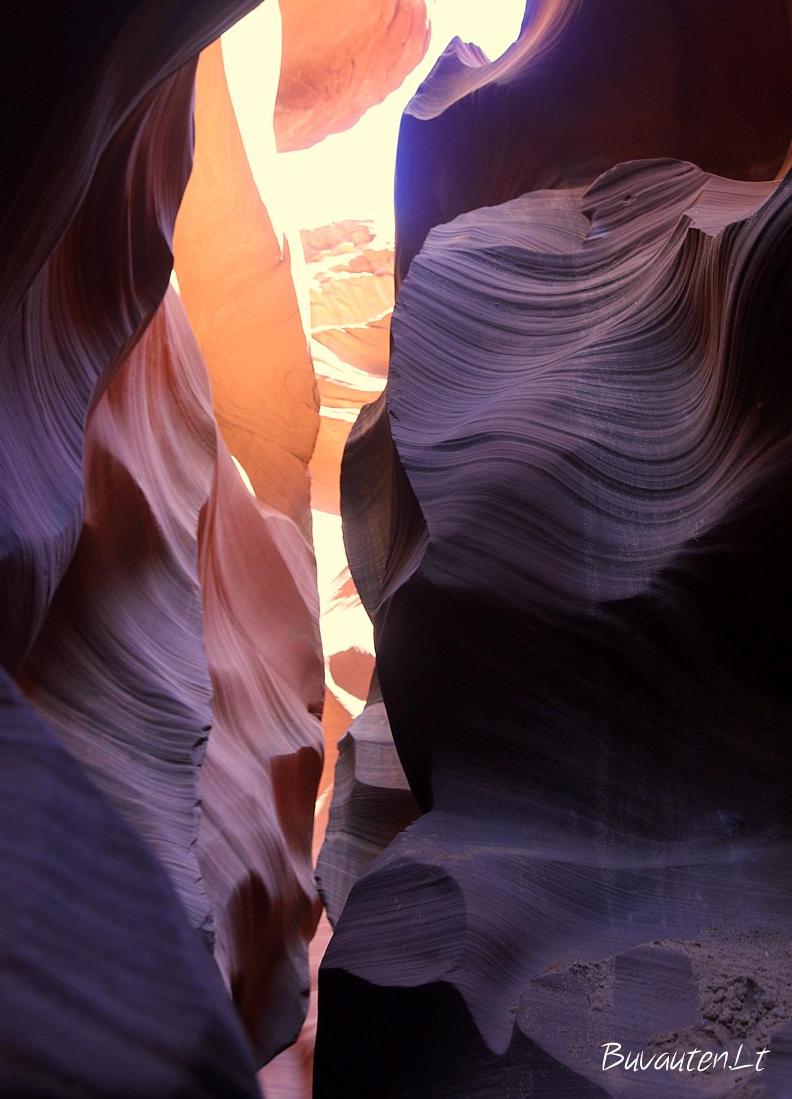 Siauri takeliai kanjone