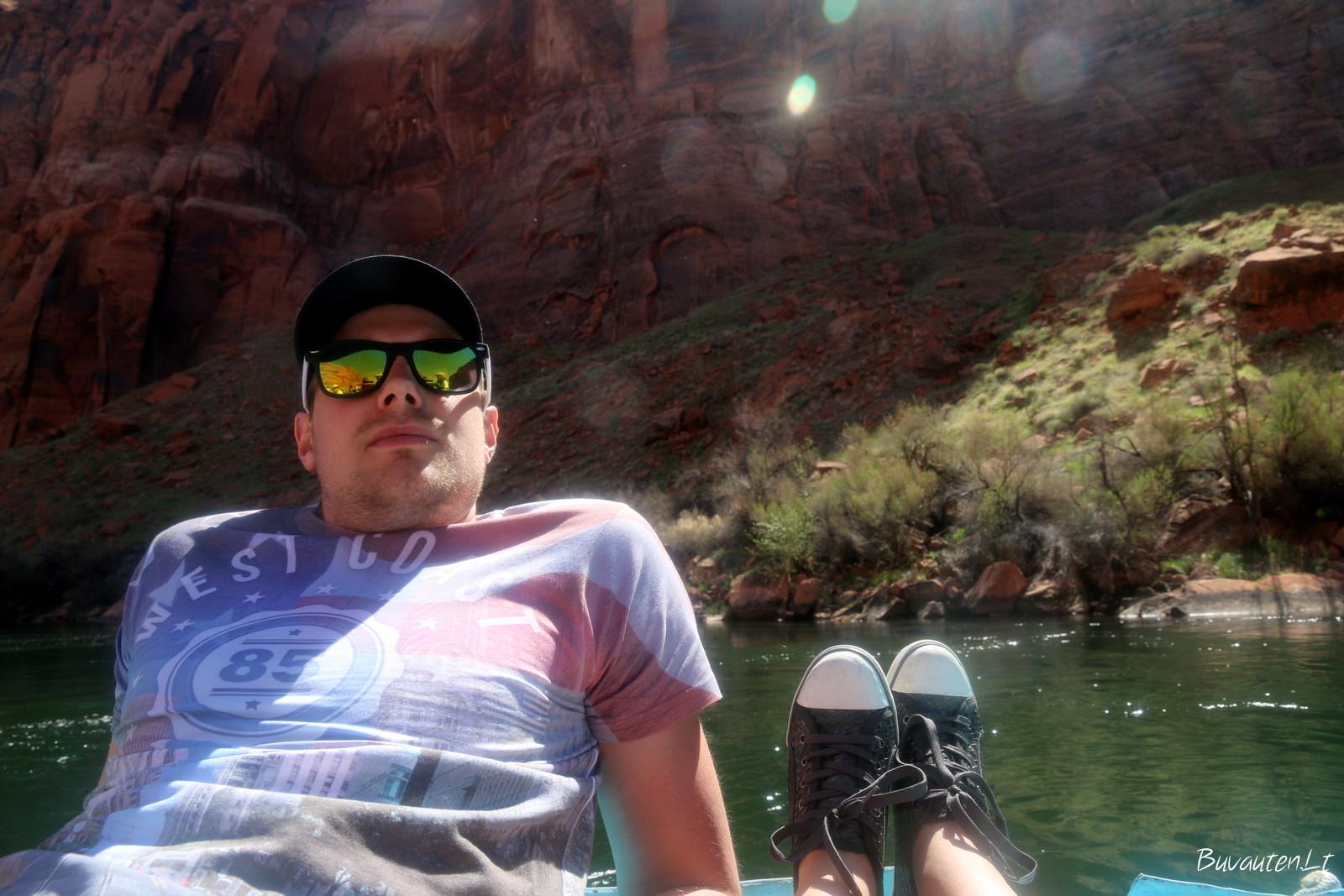 Visiškas atsipalaidavimas plaukiant upe