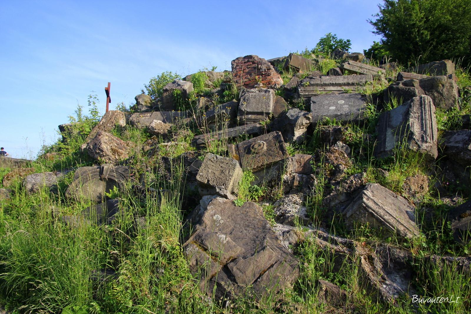 Pastatų griuvėsiai po karo buvo suvežti ant vieno Štutgarto kalno