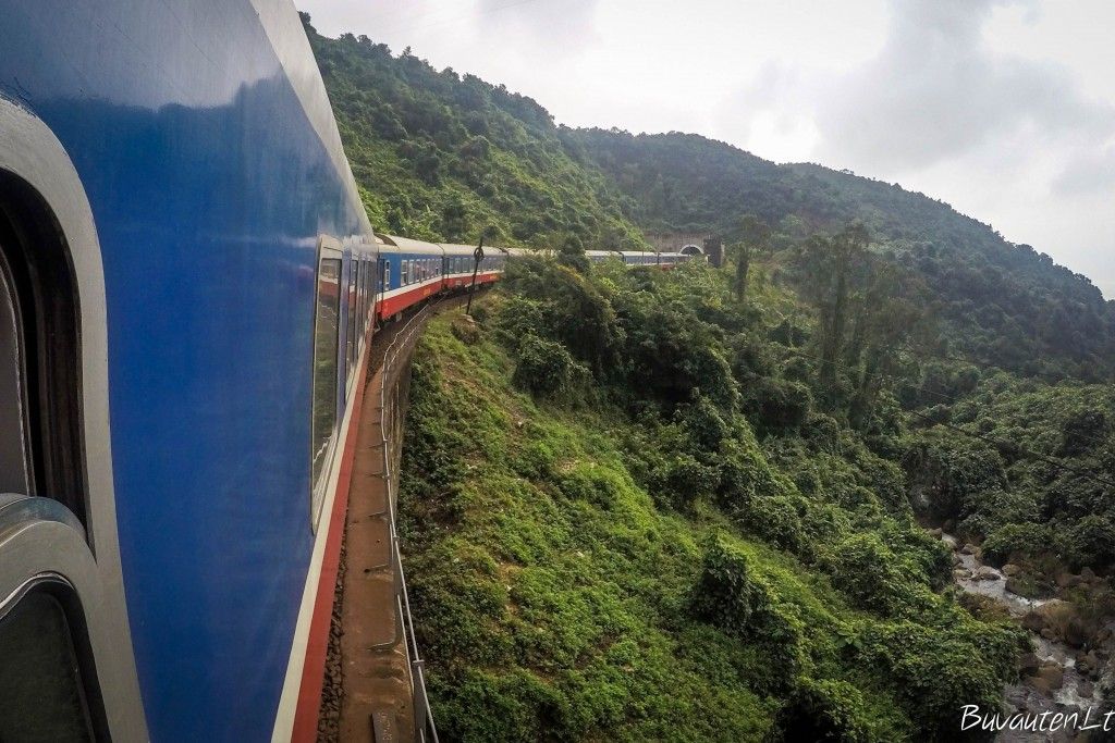 Traukiniais kelionės patogios, bet brangesnės, nei autobusais