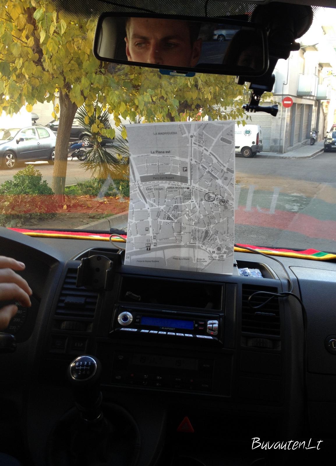 Kartais tekdavo pasinaudoti ir tokia navigacija