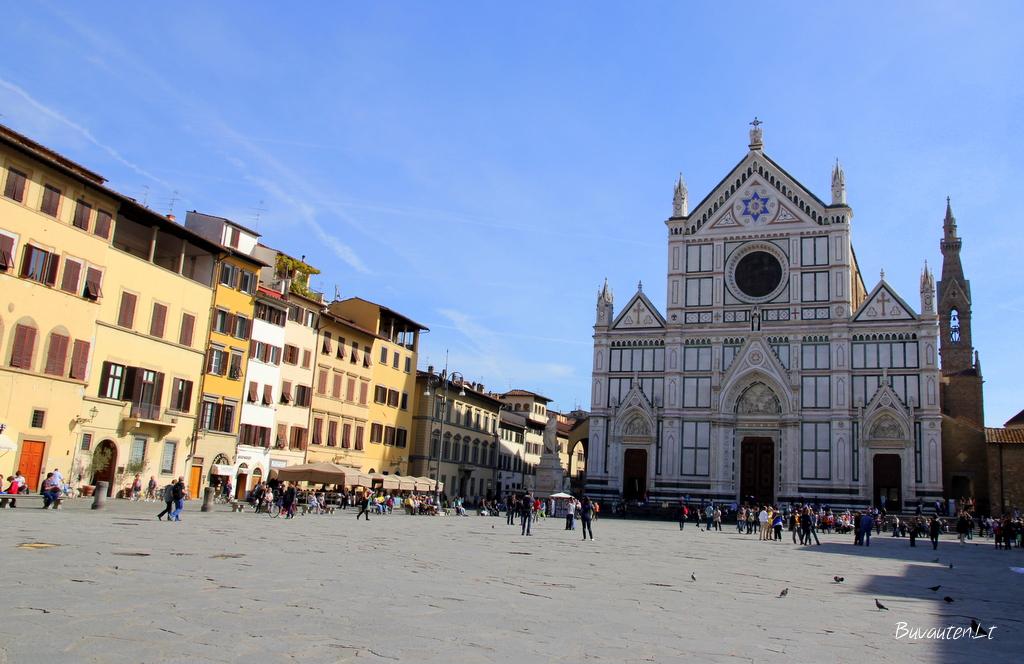 Santo Croce bazilika ir aikštė Florencijoje