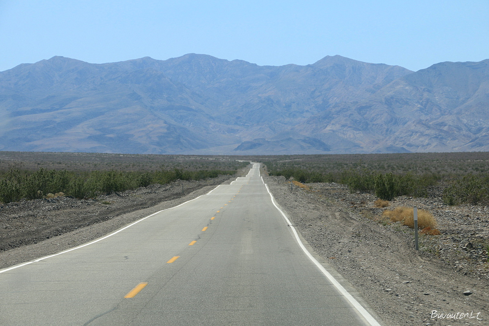 Kelias per Mirties slėnį