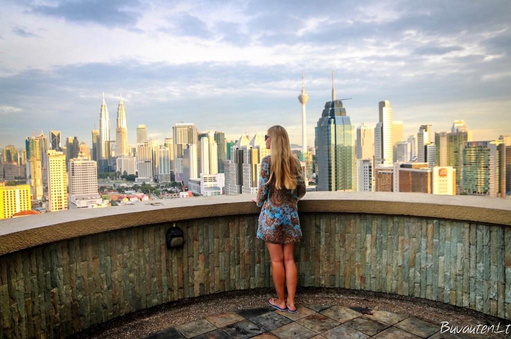 Vaizdas iš Airbnb buto balkono Kvala Lumpūre