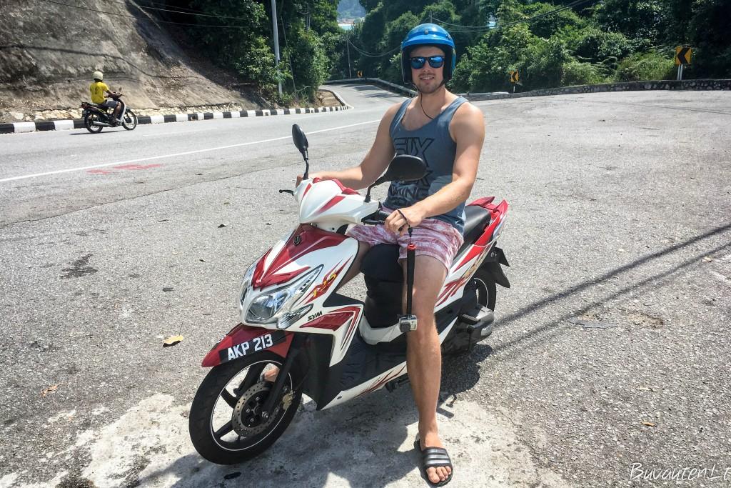 Malaizijos salose geriausia susisiekimo priemonė - motoroleris