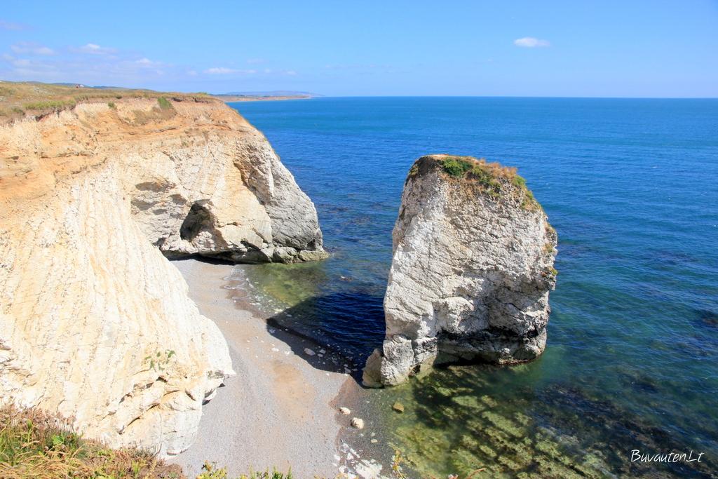Vakarinis Isle of Wight krantas - uolėtas