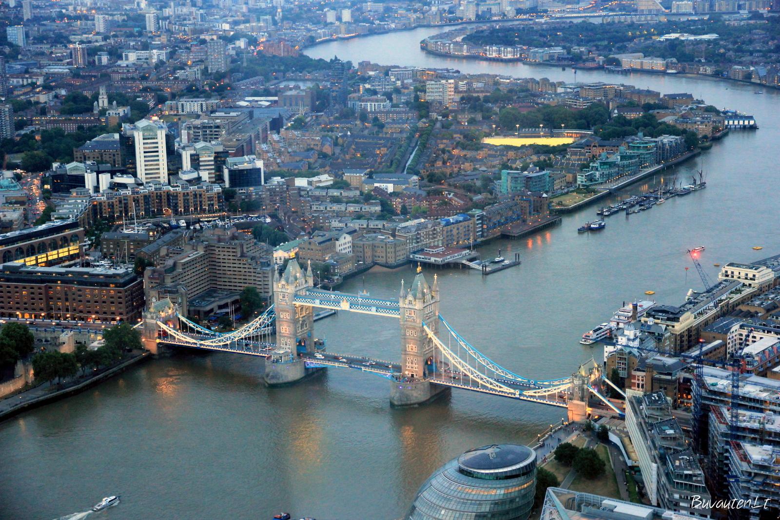 Tower Bridge puikiai matomas iš Shardo