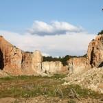 Menčių karjeras: Marso kanjonai Akmenės rajone