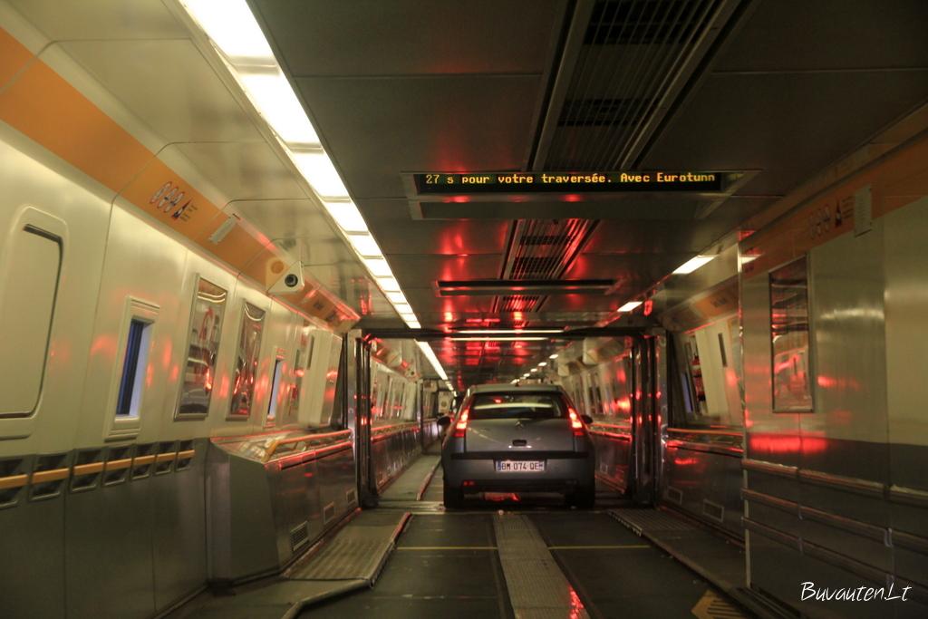 Eurotunelio traukinio viduje