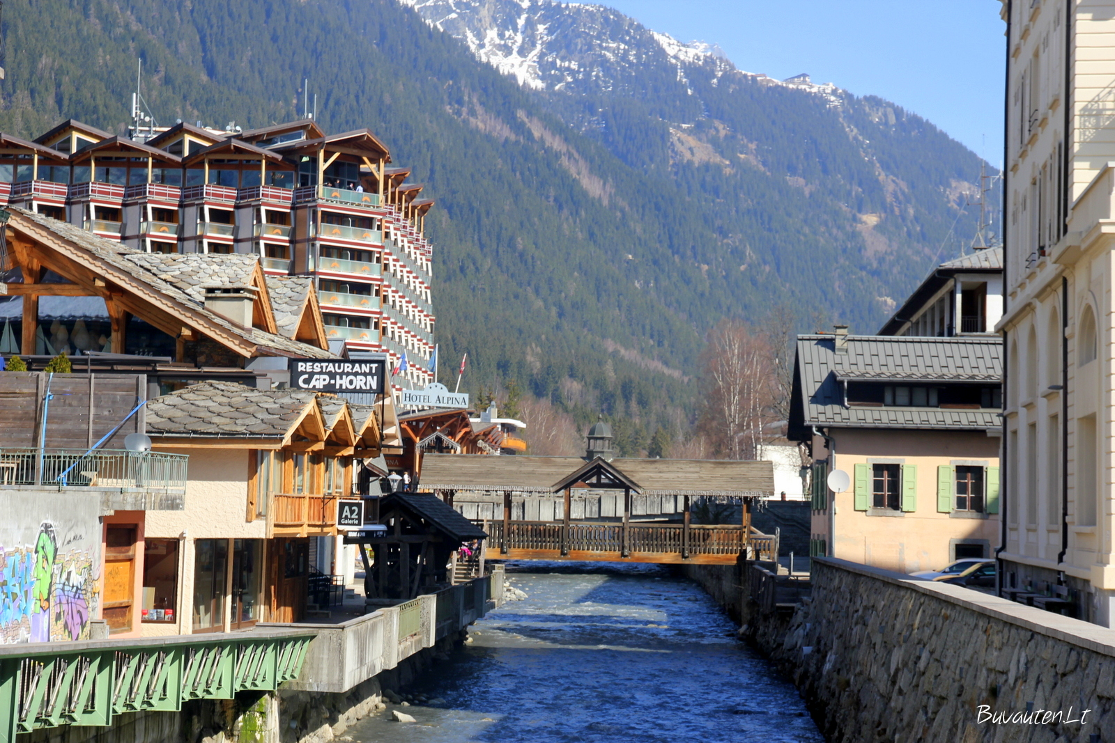 Žavus miestelis įsikūręs slėnyje tarp kalnų
