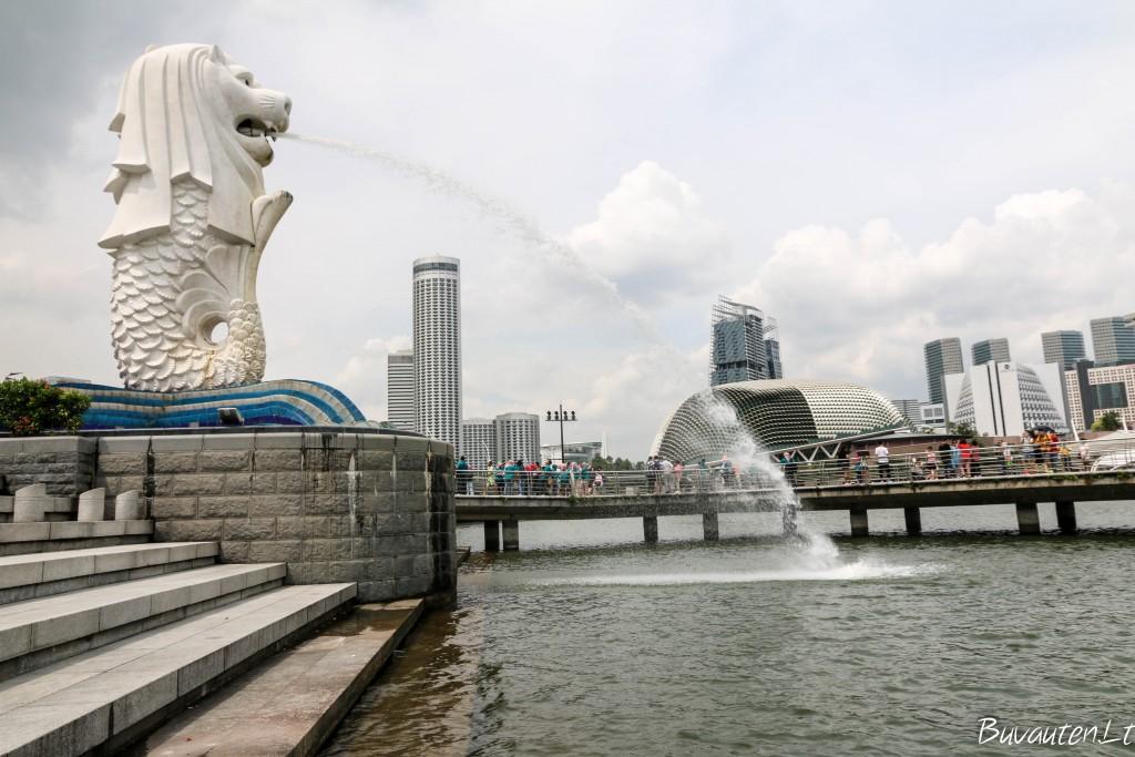 Singapūro simbolis - Merlion - mitinė būtybė su liūto galva ir žuvies kūnu
