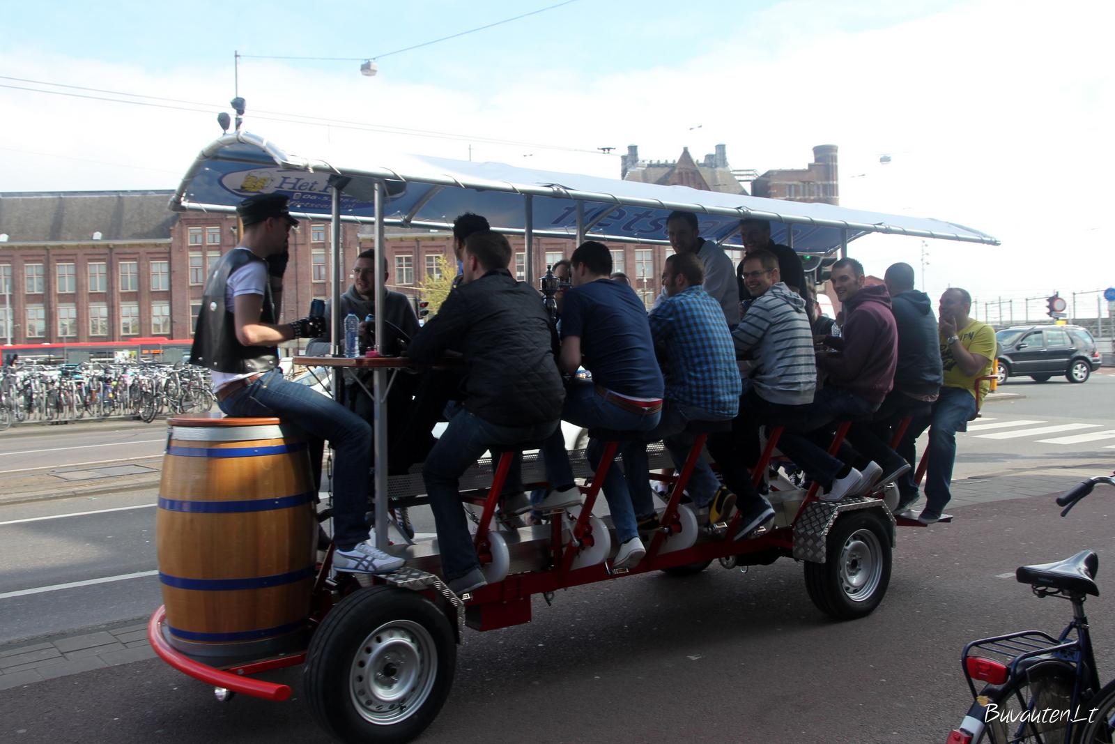 Transportas su alaus bačka - irgi populiarus Amsterdame