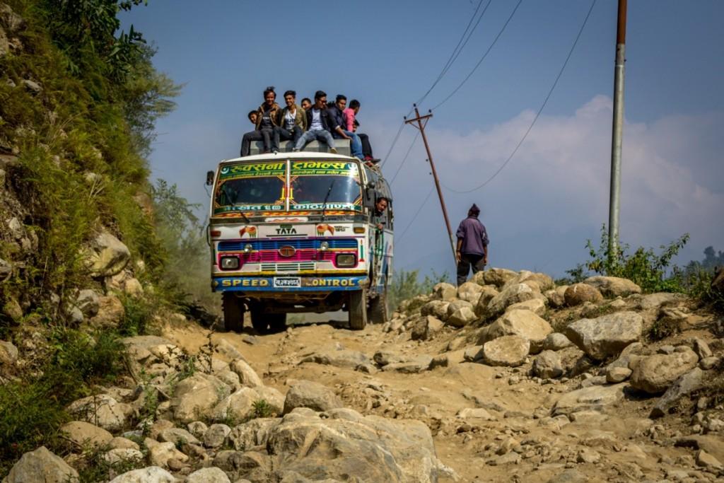Taip atrodo kelionė autobusu Himalajuose